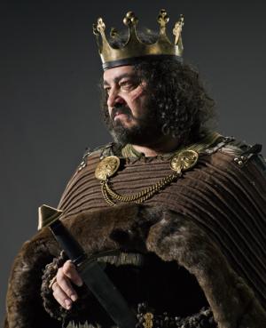 Ivan Kaye stars as King Aelle in History Channel's Vikings