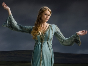 Alyssa Sutherland stars as Princess Aslaug in History Channel's Vikings